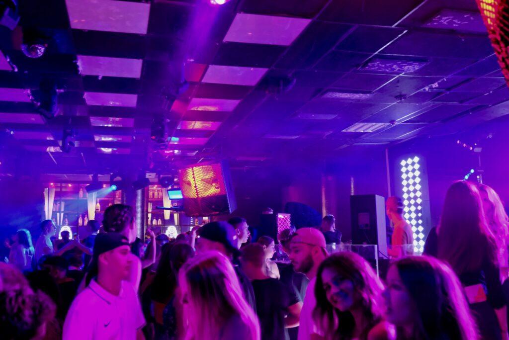 DJ in Lippe owl Club Discothek Party DJ Event DJ